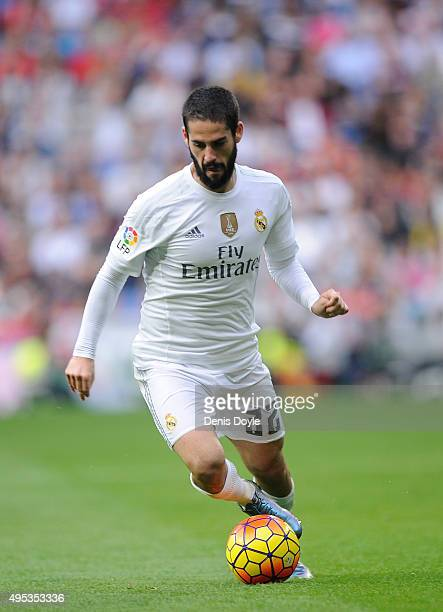 Isco of Real Madrid in action during the La Liga match between Real Madrid CF and UD Las Palmas at Estadio Santiago Bernabeu on October 31 2015 in...