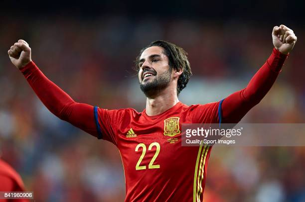 Isco of Spain celebrates after scoring the first goal during the FIFA 2018 World Cup Qualifier between Spain and Italy at Estadio Santiago Bernabeu...
