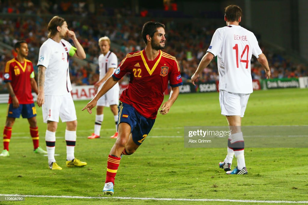 <a gi-track='captionPersonalityLinkClicked' href=/galleries/search?phrase=Isco&family=editorial&specificpeople=5848609 ng-click='$event.stopPropagation()'>Isco</a> of Spain celebrates his team's second goal during the UEFA European U21 Championship Semi Final match between Spain and Norway at Netanya Stadium on June 15, 2013 in Netanya, Israel.