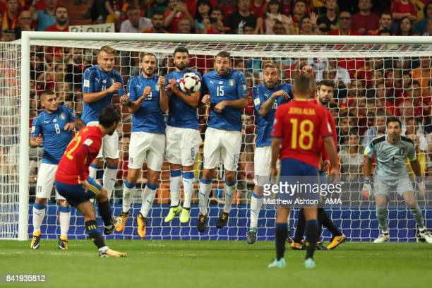 Isco of Spain scores a goal to make the score 10 during the FIFA 2018 World Cup Qualifier between Spain and Italy at Estadio Santiago Bernabeu on...