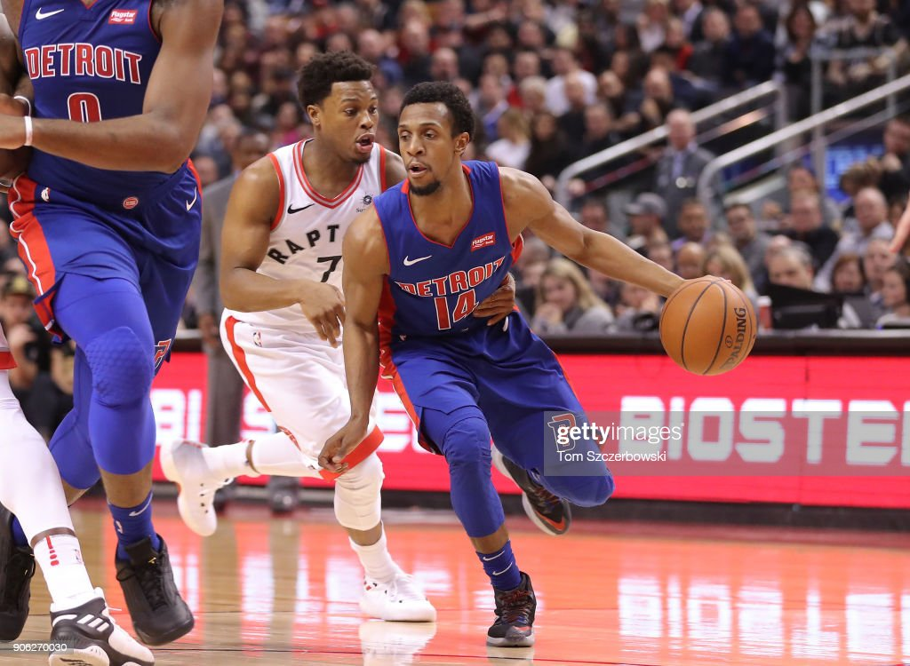 Ish Smith #14 of the Detroit Pistons dribbles as he is guarded by Kyle Lowry #7 of Toronto Raptors at Air Canada Centre on January 17, 2018 in Toronto, Canada.