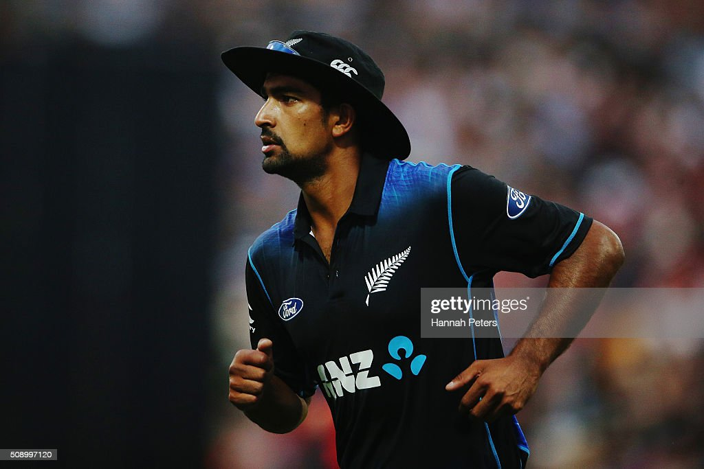 <a gi-track='captionPersonalityLinkClicked' href=/galleries/search?phrase=Ish+Sodhi&family=editorial&specificpeople=9129588 ng-click='$event.stopPropagation()'>Ish Sodhi</a> of the Black Caps fields during the 3rd One Day International cricket match between the New Zealand Black Caps and Australia at Seddon Park on February 8, 2016 in Hamilton, New Zealand.