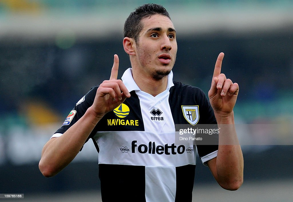 <a gi-track='captionPersonalityLinkClicked' href=/galleries/search?phrase=Ishak+Belfodil&family=editorial&specificpeople=6175690 ng-click='$event.stopPropagation()'>Ishak Belfodil</a> of Parma FC celebrates after scoring his opening goal during the Serie A match between AC Chievo Verona and Parma FC at Stadio Marc'Antonio Bentegodi on January 20, 2013 in Verona, Italy.