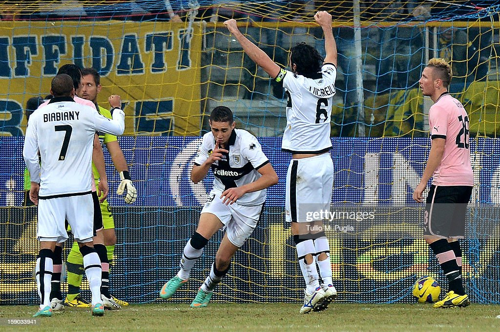 Ishak Belfodil (3rd-R) of Parma scores the opening goal during the Serie A match between Parma FC and US Citta di Palermo at Stadio Ennio Tardini on January 6, 2013 in Parma, Italy.