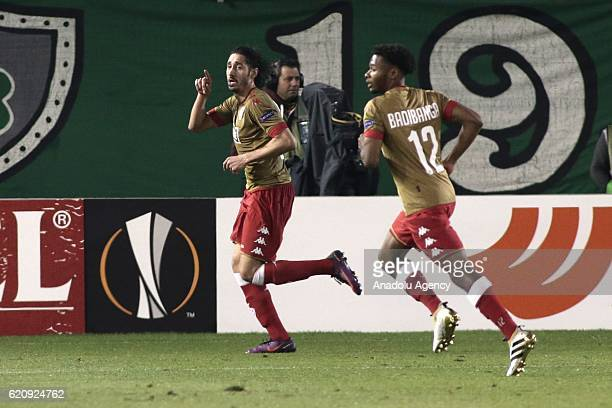 Ishak Belfodil of Standard Liege celebrate scoring a goal with his teammates during the UEFA Europa League Group G football match between...