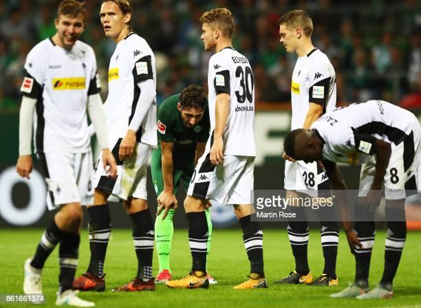 Ishak Belfodil of Werder Bremen is dejected after the Bundesliga match between SV Werder Bremen and Borussia Moenchengladbach at Weserstadion on...