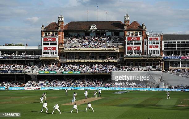 Ishant Sharma of India bowls to Jos Buttler of England during day two of 5th Investec Test match between England and India at The Kia Oval on August...
