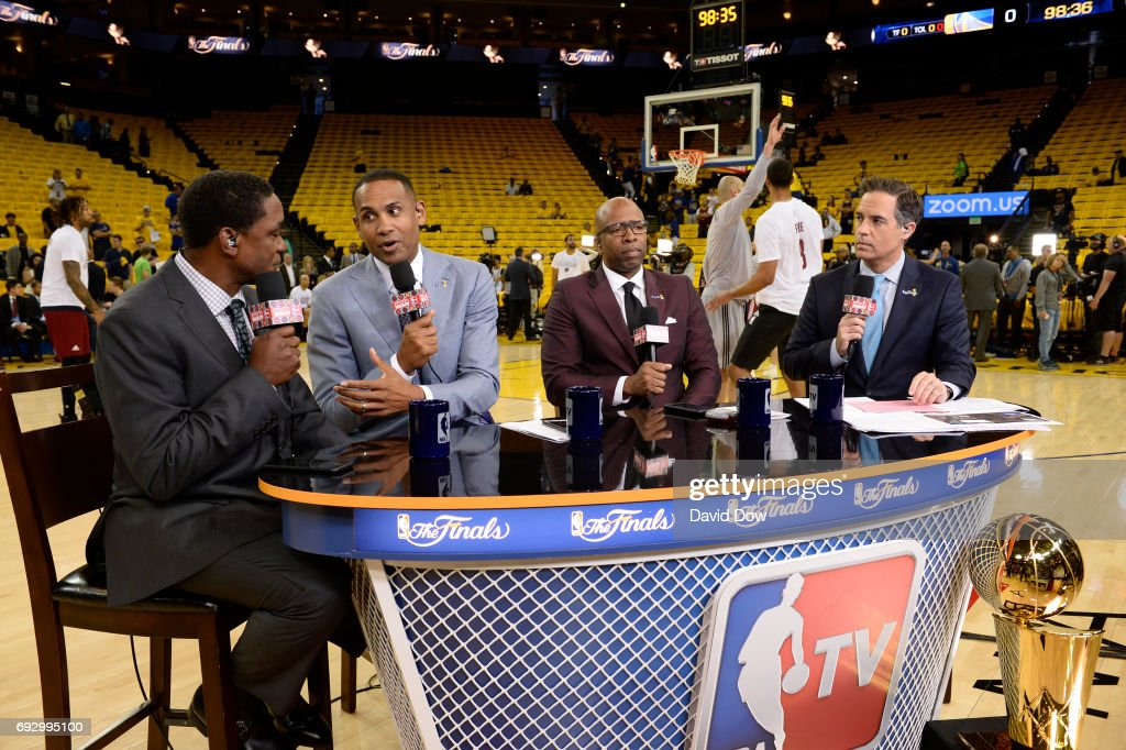 Isiah Thomas, Grant Hill, Kenny Smith and Matt Winer of NBATV discusses the game of the Cleveland Cavaliers against the Golden State Warriors prior to Game Two of the 2017 NBA Finals on June 4, 2017 at ORACLE Arena in Oakland, California.