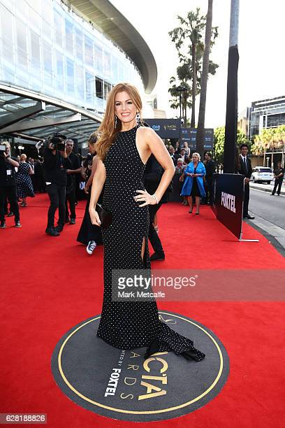 Isla Fisher arrives ahead of the 6th AACTA Awards Presented by Foxtel at The Star on December 7 2016 in Sydney Australia