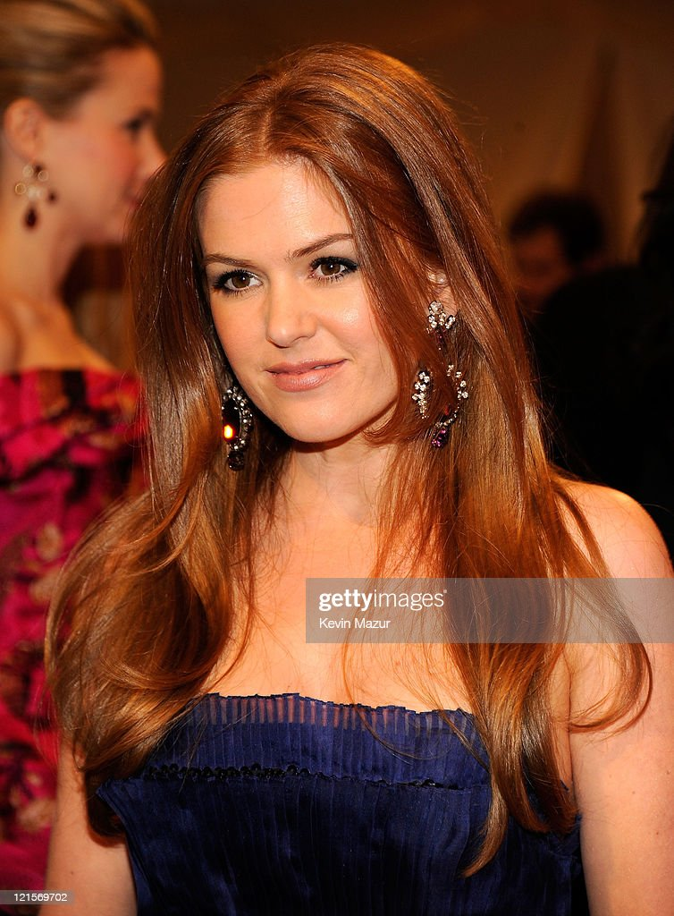 Isla Fisher attends the 'Alexander McQueen: Savage Beauty' Costume Institute Gala at The Metropolitan Museum of Art on May 2, 2011 in New York City.