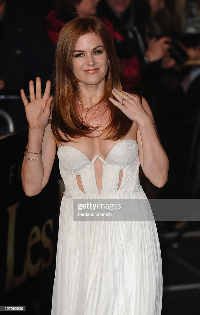 Isla Fisher attends the World Premiere of 'Les Miserables' at Odeon Leicester Square on December 5, 2012 in London, England.