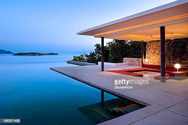 Lever de soleil sur une Villa Island