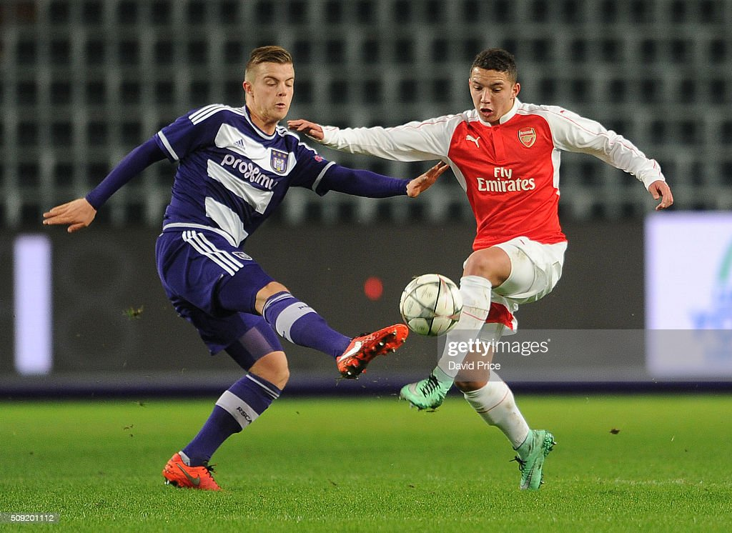 Ismael Bennacer of Arsenal takes on Jorn Vancamp of Anderlecht during the match between Anderlecht and Arsenal at Constant Vanden Stock Stadium on February 9, 2016 in Brussels, Bruxelles-Capitale, Region de.