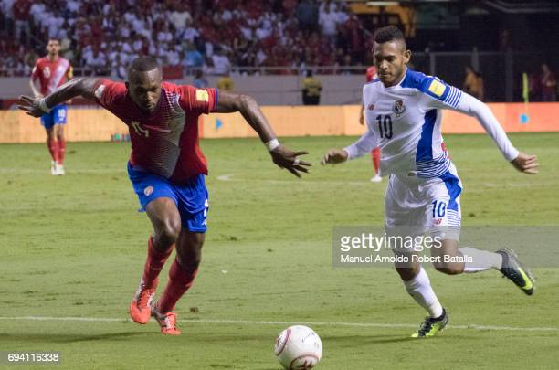 Ismael Diaz of Panama competes for the ball with Kendall Waston of Costa Rica during the match between Costa Rica and Panama as part of the FIFA 2018...