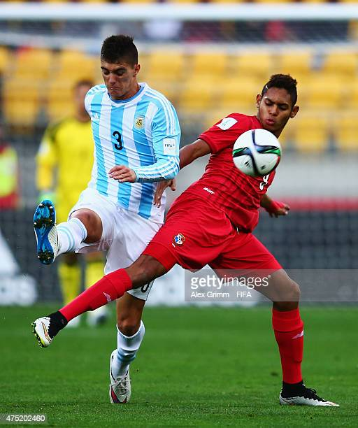 Ismael Diaz of Panama is challenged by Lucas Suarez of Argentina during the FIFA U20 World Cup New Zealand 2015 Group B match between Argentina and...