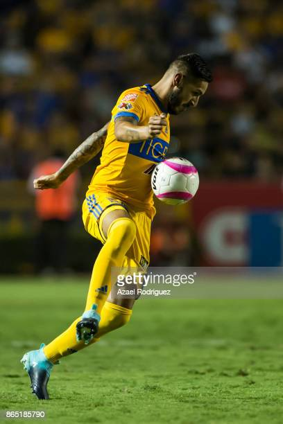 Ismael Sosa of Tigres controls the ball during the 14th round match between Tigres UANL and Toluca as part of the Torneo Apertura 2017 Liga MX at...
