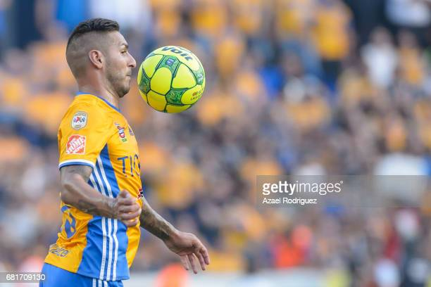 Ismael Sosa of Tigres controls the ball during the quarter finals first leg match between Tigres UANL and Monterrey as part of the Torneo Clausura...