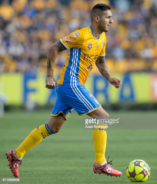 Ismael Sosa of Tigres drives the ball during the 16th round match between Tigres UANL and Tijuana as part of the Torneo Clausura 2017 Liga MX at...