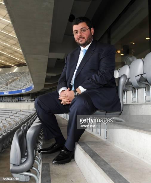 Ismaik Hasan Unternehmer Jordanien Investor beim Fussballklub TSV 1860 Muenchen sitzt in der Allianz Arena