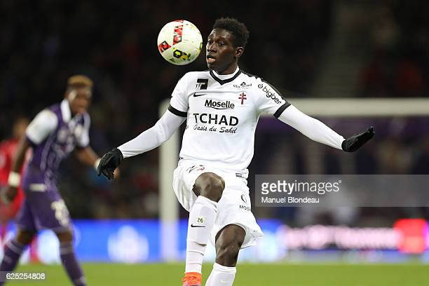 Ismaila Sarr of Metz during the Ligue 1 match between Toulouse FC and FC Metz at Stadium Municipal on November 19 2016 in Toulouse France