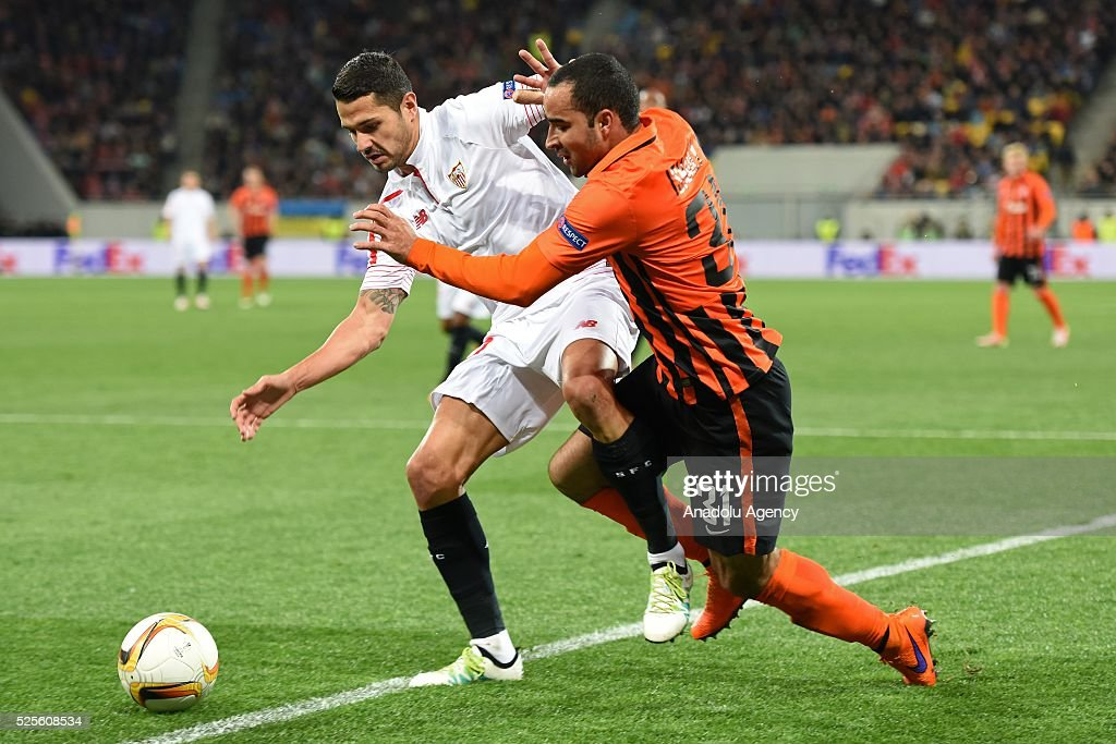 Ismaily of Shakhtar Donetsk (R) competes for the ball with Vitolo (L) of Sevilla FC during the UEFA Europa League Semi-finals soccer match between Shakhtar Donetsk and Sevilla FC at Lviv Arena stadium on April 28, 2016 in Lviv, Ukraine.