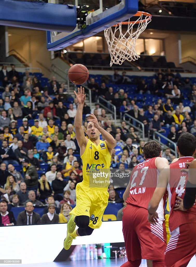 Ismet Akpinar of ALBA Berlin and Stanko Barac of Emporio Armani Mailand during the game between Alba Berlin and Emporio Armani Mailand on january 6, 2016 in Berlin, Germany.