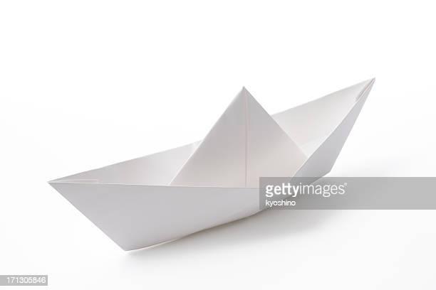 Isolato colpo di carta bianco barca su sfondo bianco