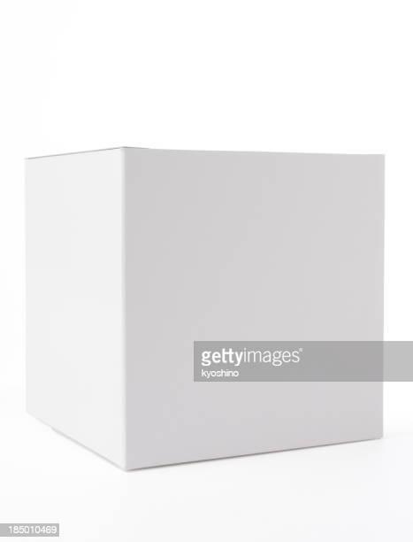 Aislado fotografía de caja cerrada blanca en blanco sobre fondo blanco