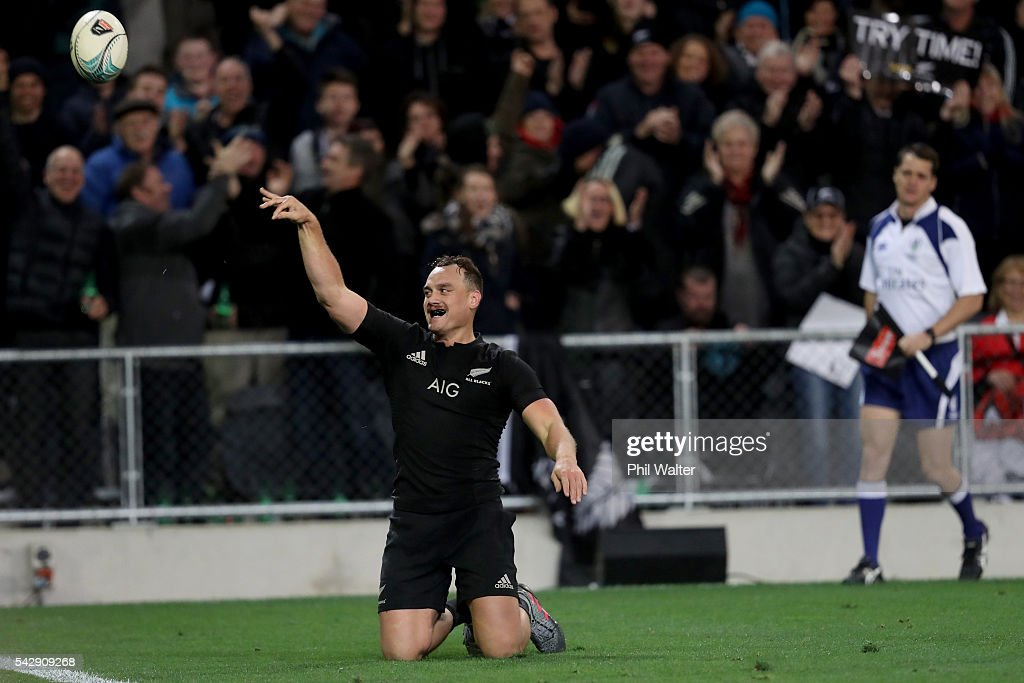 <a gi-track='captionPersonalityLinkClicked' href=/galleries/search?phrase=Israel+Dagg&family=editorial&specificpeople=2086281 ng-click='$event.stopPropagation()'>Israel Dagg</a> celebrates his try during the International Test match between the New Zealand All Blacks and Wales at Forsyth Barr Stadium on June 25, 2016 in Dunedin, New Zealand.