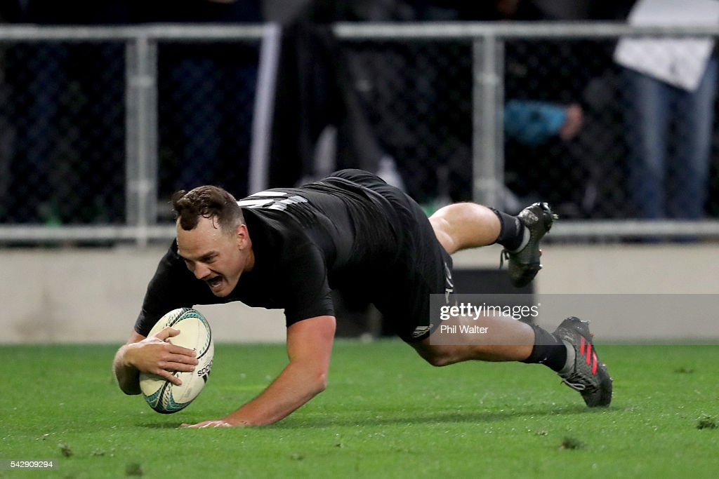 <a gi-track='captionPersonalityLinkClicked' href=/galleries/search?phrase=Israel+Dagg&family=editorial&specificpeople=2086281 ng-click='$event.stopPropagation()'>Israel Dagg</a> of the All Blacks scores a try during the International Test match between the New Zealand All Blacks and Wales at Forsyth Barr Stadium on June 25, 2016 in Dunedin, New Zealand.