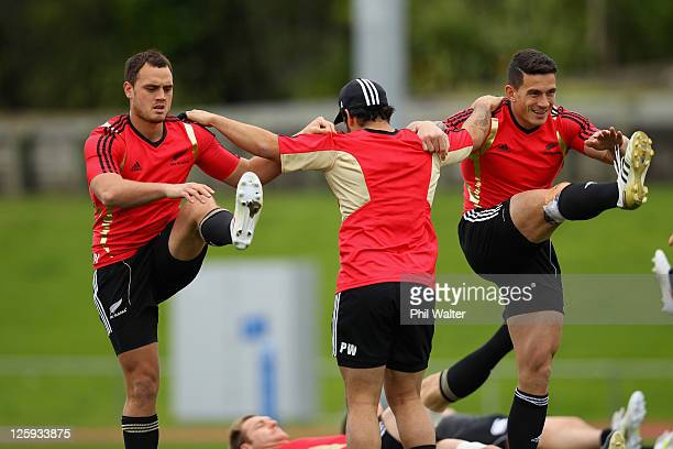 Israel Dagg Piri Weepu and Sonny Bill Williams of the All Blacks warm up during a New Zealand All Blacks IRB Rugby World Cup 2011 training session at...