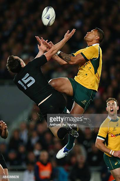 Israel Folau of Australia competes for the high ball against Ben Smith of New Zealand during The Rugby Championship Bledisloe Cup match between the...