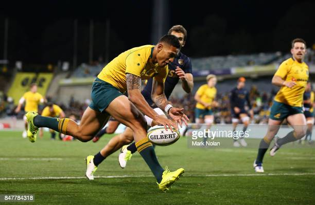 Israel Folau of the Wallabies crosses the line for a try during The Rugby Championship match between the Australian Wallabies and the Argentina Pumas...