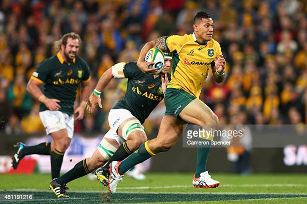 Israel Folau of the Wallabies makes a break during The Rugby Championship match between the Australian Wallabies and the South Africa Springboks at...