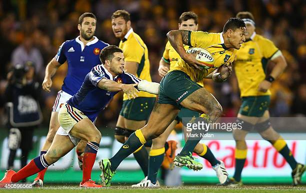 Israel Folau of the Wallabies makes a line break during the second International Test Match between the Australian Wallabies and France at Etihad...