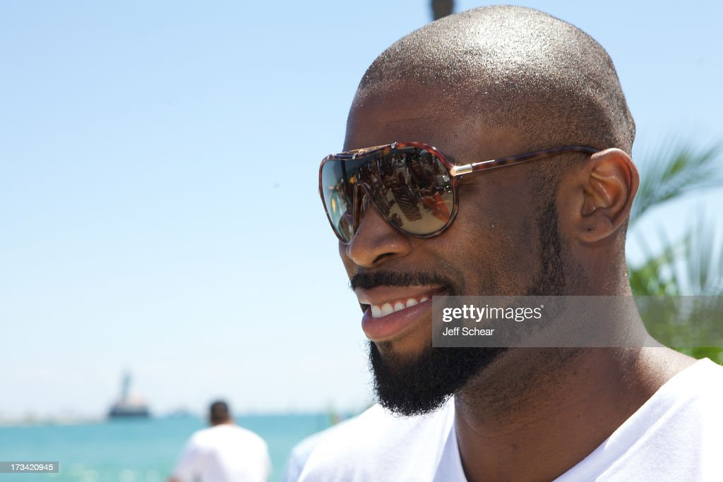 <a gi-track='captionPersonalityLinkClicked' href=/galleries/search?phrase=Israel+Idonije&family=editorial&specificpeople=589818 ng-click='$event.stopPropagation()'>Israel Idonije</a> attends Michigan Avenue Magazine and The Chicago Yacht Club host Ashore Thing presented by BMO Harris Bank on July 13, 2013 in Chicago, Illinois.