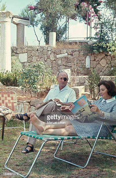 Israel in July 1967 Moshe Dayan in his garden his house has Zahala in the suburbs of Tel Aviv with his wife Ruth reading the magazine ParisMatch...