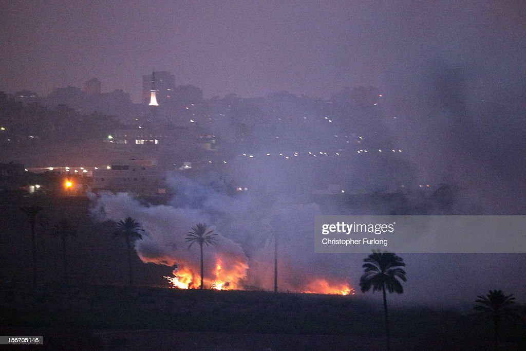 Israeli artillery shells attack a target in the Gaza Strip on November 19, 2012 on Israel's border with the Gaza Strip. According to reports November 19, 2012, at least 90 Palestinians have been killed and more than 700 wounded during the Israeli offensive in the Gaza Strip.