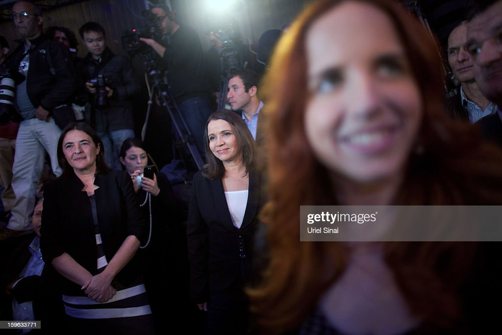 Israeli Labor party leader Shelly Yachimovich (3rd L) stands with her party members during a campaign rally ahead of the upcoming Israeli elections on January 17, 2013 in Tel Aviv, Israel. Israeli elections are scheduled for January 22, and are reportedly showing a majority for the Israeli right.