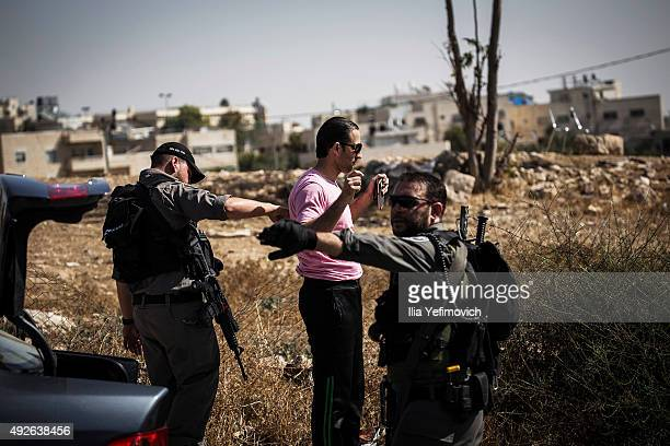 Israeli Police and the Civilian K9 Unit carry out a stop and search on every car that leaves the Palestnian neighbourhood of Jabel Mukaber on October...