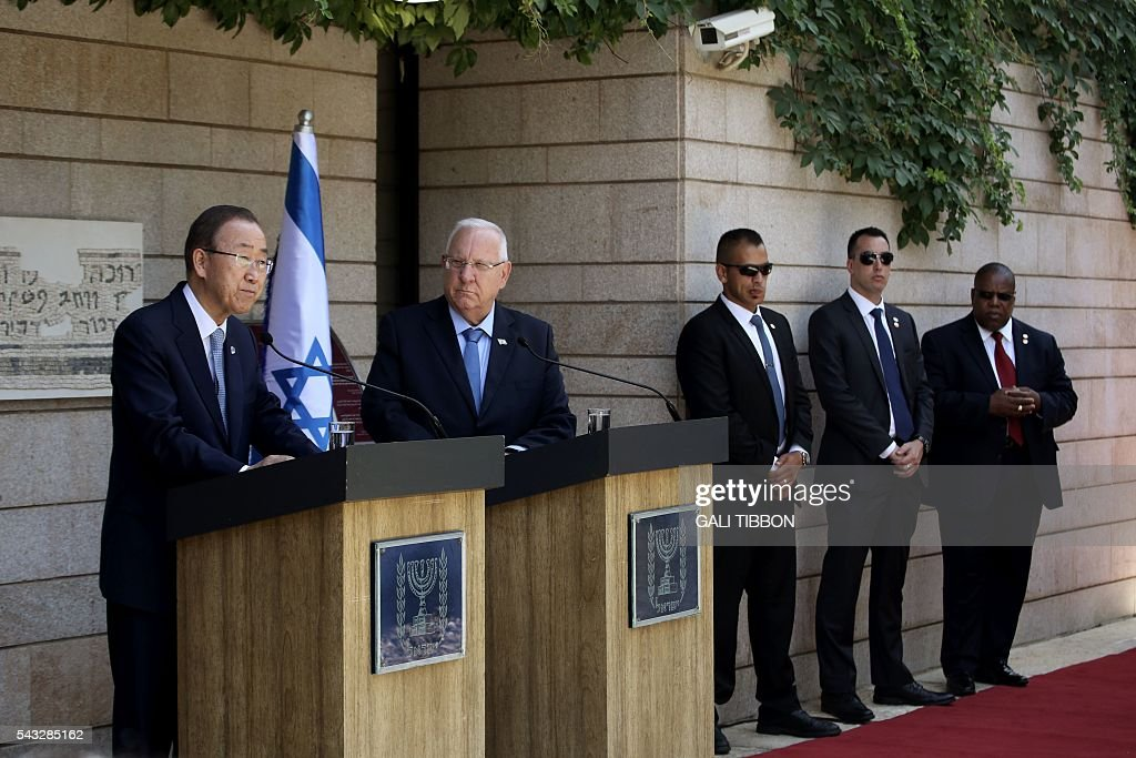 Israeli President Reuven Rivlin and UN Secretary General Ban Ki-moon (L) make statements to the press before their meeting at the presidential compound on June 27, 2016 in Jerusalem. UN chief Ban Ki-moon on Monday urged Israelis and Palestinians not to allow extremists on either side to fan violence, as he arrived as part of a Middle East tour. TIBBON