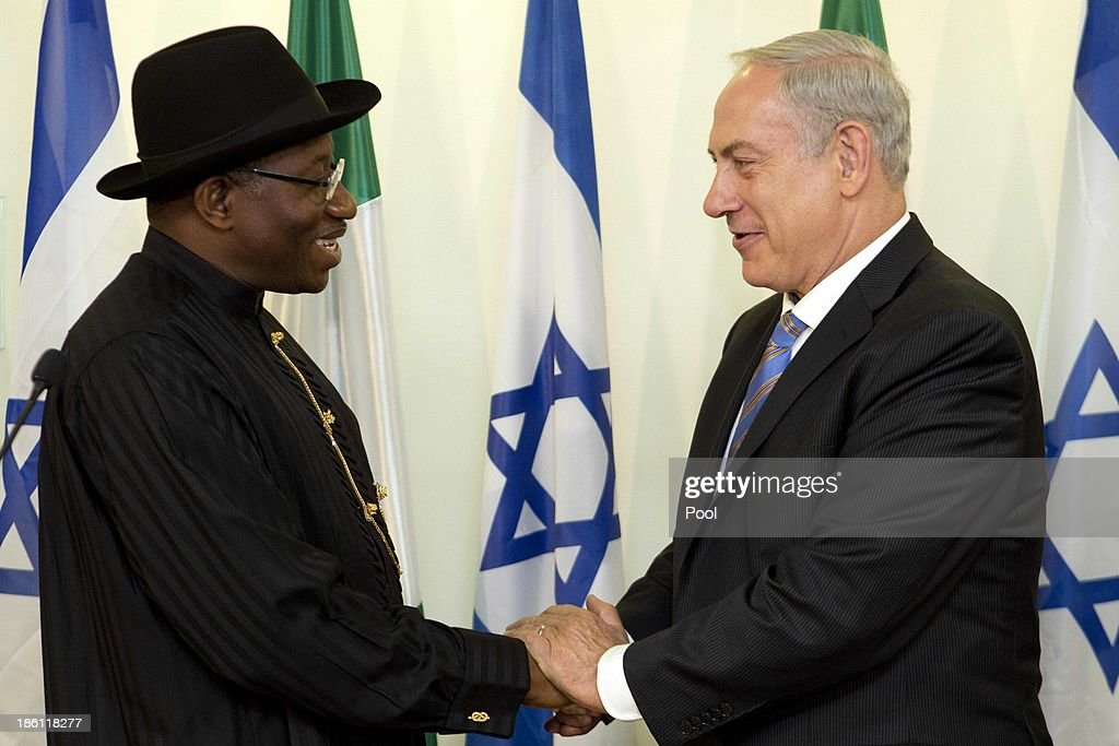 Israeli Prime Minister <a gi-track='captionPersonalityLinkClicked' href=/galleries/search?phrase=Benjamin+Netanyahu&family=editorial&specificpeople=118594 ng-click='$event.stopPropagation()'>Benjamin Netanyahu</a> (R) and the President of Nigeria <a gi-track='captionPersonalityLinkClicked' href=/galleries/search?phrase=Goodluck+Jonathan&family=editorial&specificpeople=4124968 ng-click='$event.stopPropagation()'>Goodluck Jonathan</a> (L) hold a presser during their meeting at the Prime Minister's Office October 28, 2013 in Jerusalem, Israel. On his first ever state visit to Israel, Jonathan spoke on combating against terrorism and ensuring stable economic relations between the two countries.