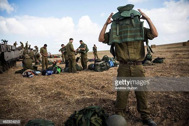 Israeli reservists troops arrive for duty near the IsraelGaza border on the morning of July 18 2014 near Sderot Israel Late last night Israeli forces...