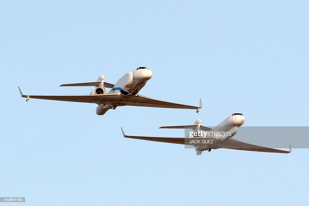 Israeli spy planes Eitam fly over the Hatzerim air force base in the Negev desert, near the southern city of Beer Sheva, on June 30, 2016, during an air show at the graduation ceremony of Israeli pilots. / AFP / JACK