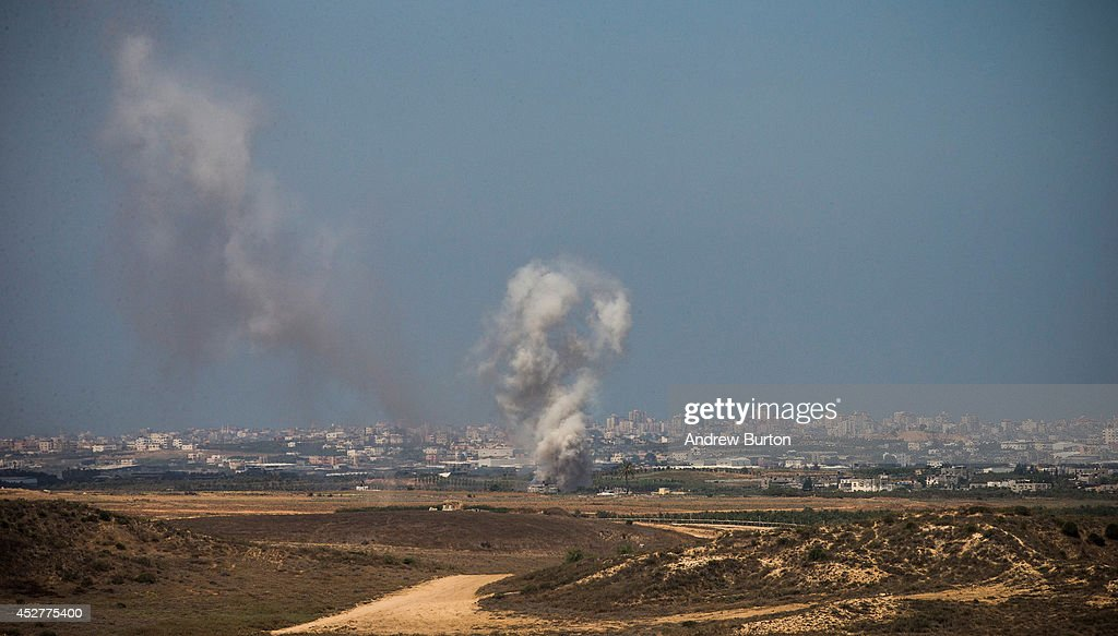Israeli strikes in Gaza are seen after a ceasefire failed on July 27, 2014 near Sderot, Israel. 42 Israeli soldiers and over 1,000 Palestinians have been killed as the Israeli operation 'Protective Edge' nears three weeks.
