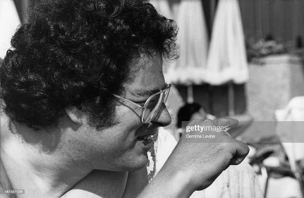 Israeli-American violinist Itzhak Perlman at the Hilton Hotel, Tel Aviv, Israel, circa 1990.
