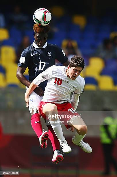 Issa Samba of France outjumps Abdulhadi Shalha of Syria during the FIFA U17 World Cup Chile 2015 Group F match between France and Syria at Estadio...