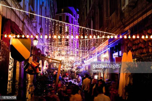 Istanbul Restaurants bei Nacht