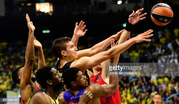TOPSHOT Istanbul's Bogdan Bogdanovic reaches for the ball during the final basketball match CSKA Moscow vs Fenerbahce Istanbul at the Euroleague...