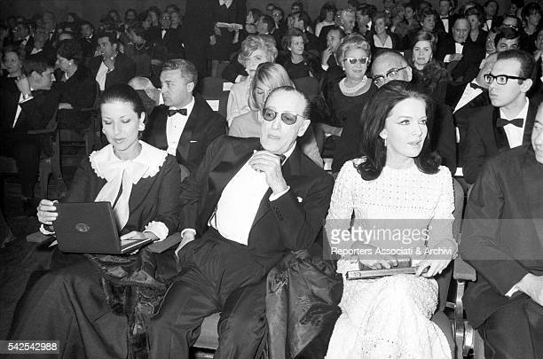 Italian actor Tot˜ and Italian actress Lisa Gastoni in cinema Fiamma at the Globo d'Oro prize ceremony organized by the foreign press Rome 1967